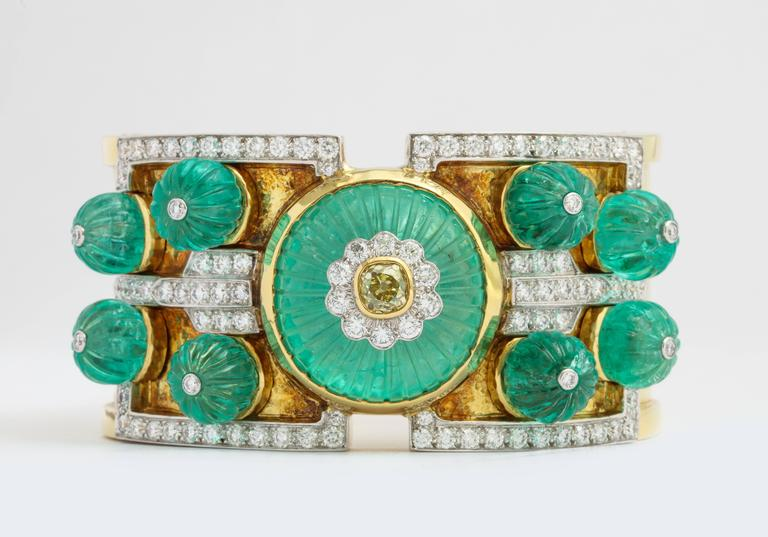 David Webb Carved Emerald Diamond Gold Bangle Bracelet 7