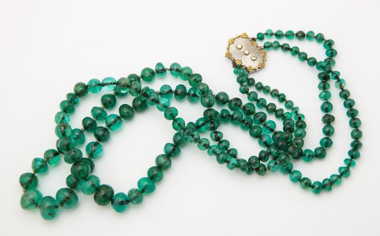 Women's or Men's Buccellati Two Strand Emerald Bead Necklace For Sale