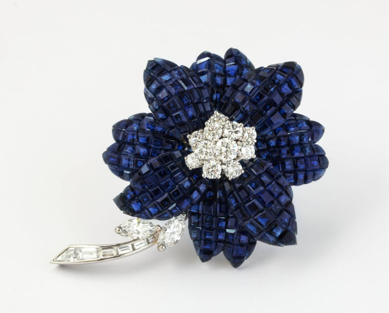 Van Cleef & Arpels Mystery Set Sapphire and Diamond Brooch and Earrings Set 7