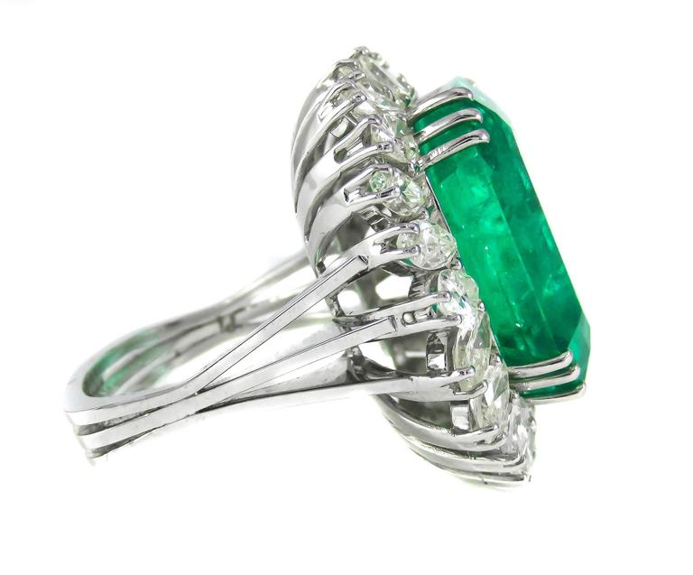 Natural 25 Carat Colombian Emerald Diamond White Gold Ring 3