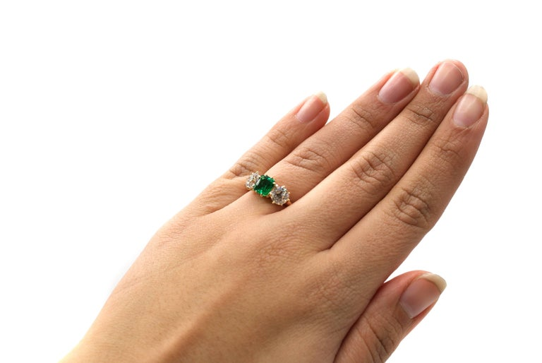 Women's or Men's Belle Époque Bailey Banks & Biddle 1.18 Carat Colombian Emerald Diamond Ring For Sale