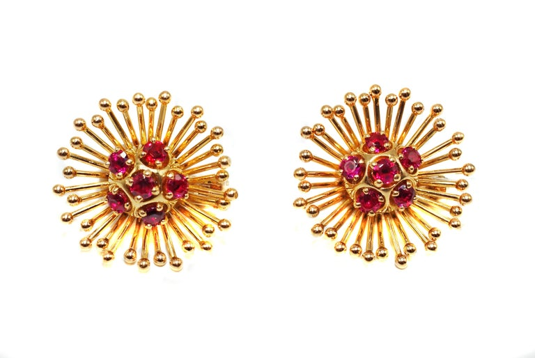 Cartier Paris Retro Yellow Gold Ruby Starburst Earring Brooch Clip Set In Excellent Condition For Sale In New York, NY