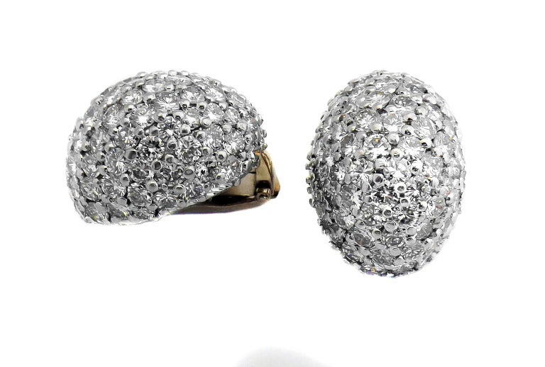1960s Fine Diamond Platinum Bombe Ear Clips In Excellent Condition For Sale In New York, NY