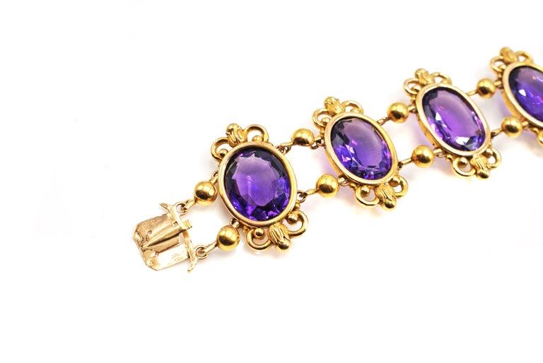 Belle Époque Antique French Amethyst 18 Karat Gold Bracelet For Sale