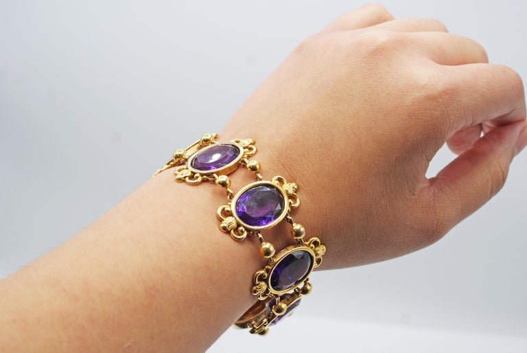 Antique French Amethyst 18 Karat Gold Bracelet In Good Condition For Sale In New York, NY