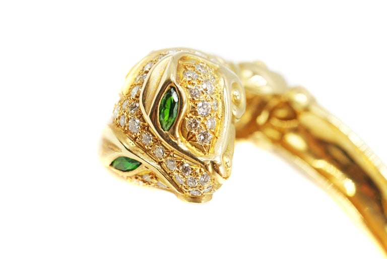 Diamond Tourmaline 18 Karat Gold Snake Head Bangle Bracelet In Excellent Condition For Sale In New York, NY