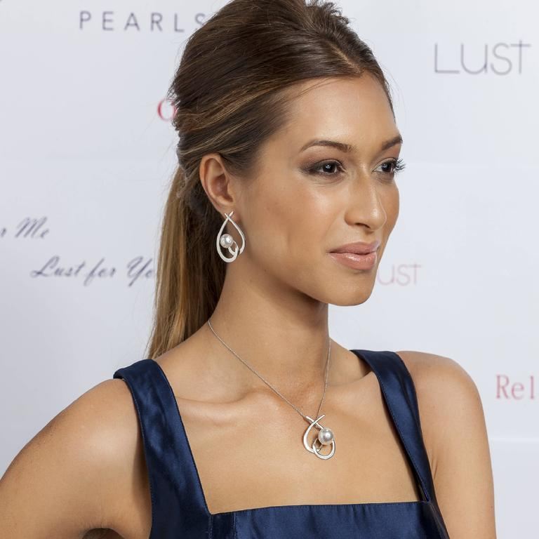 Modern Lust Pearls 0.32 Carat White Diamond South Sea White Pearl Aria Drop Earrings For Sale