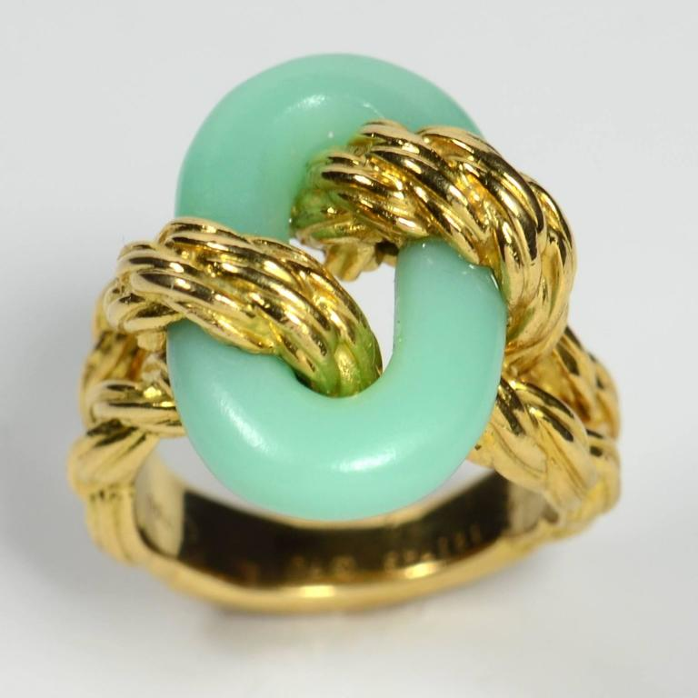 Van Cleef & Arpels Chrysoprase Gold Ring, circa 1970 2