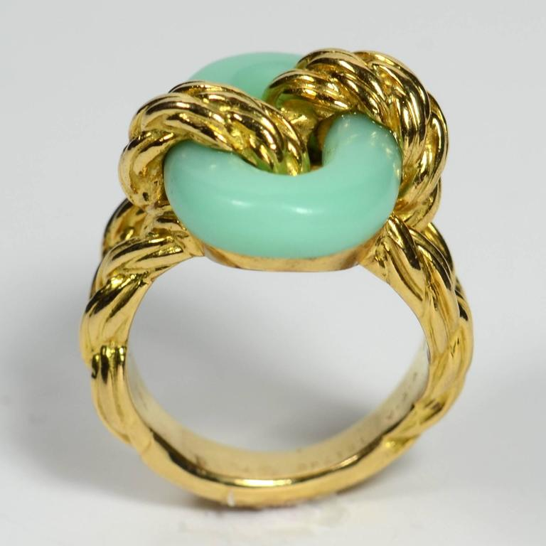 Van Cleef & Arpels Chrysoprase Gold Ring, circa 1970 6