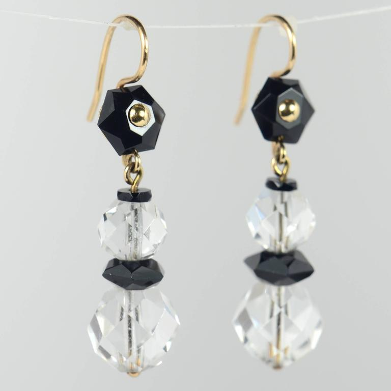 Art Deco Onyx Rock Crystal Gold Drop Earrings, circa 1920 In Good Condition For Sale In London, GB