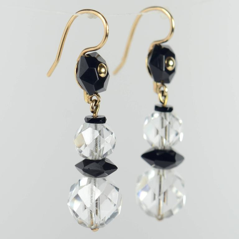 Art Deco Onyx Rock Crystal Gold Drop Earrings, circa 1920 For Sale 1