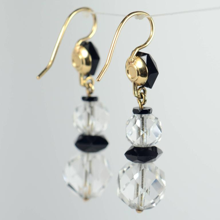 Art Deco Onyx Rock Crystal Gold Drop Earrings, circa 1920 For Sale 2