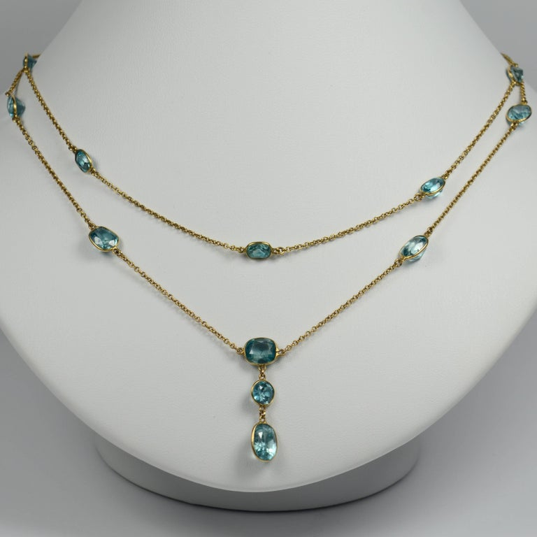 Blue Zircon Gold Long Chain Necklace, circa 1920 For Sale 1