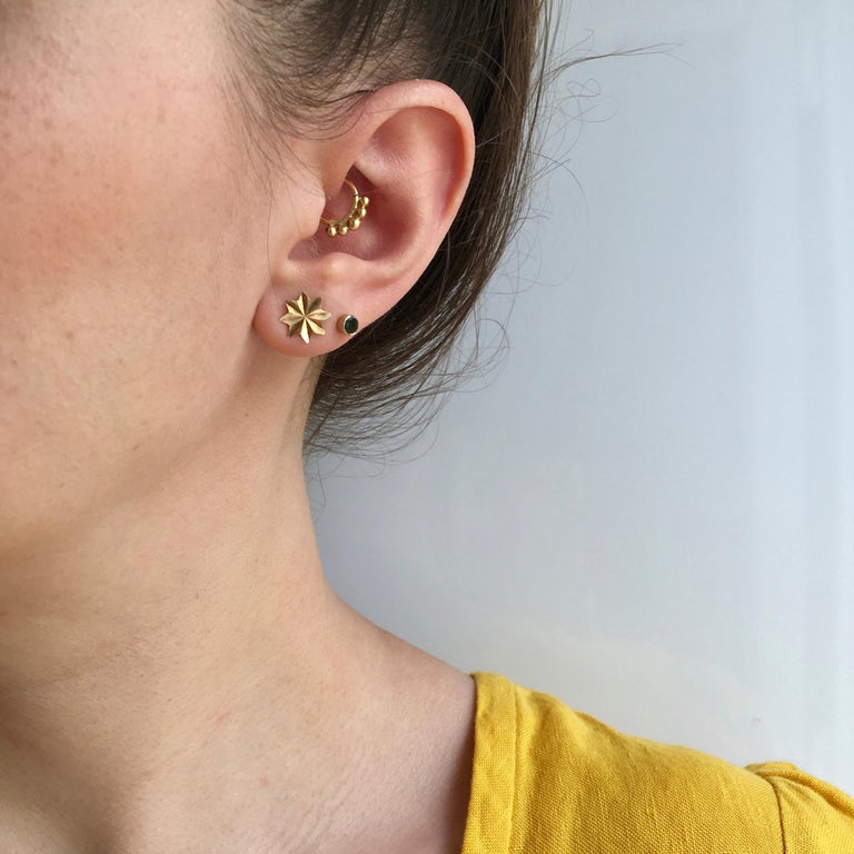 Gold Star Stud Earrings 1970s Vintage Jewelry Celestial For Sale 1