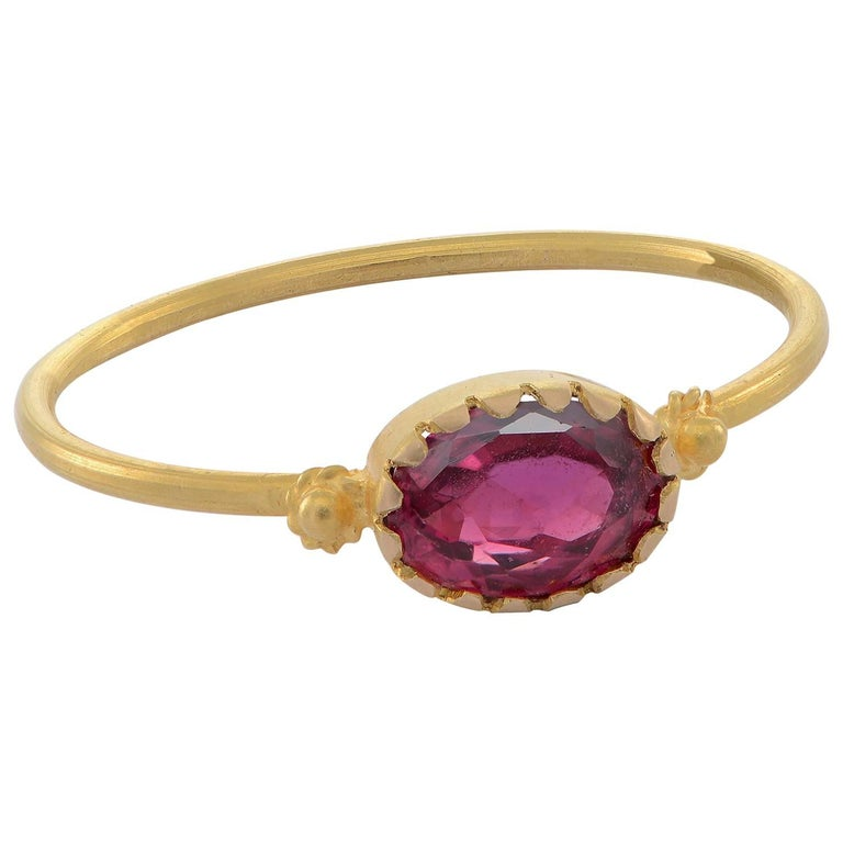 Emma Chapman Red Spinel 18 Karat Yellow Gold Stacking Ring For Sale