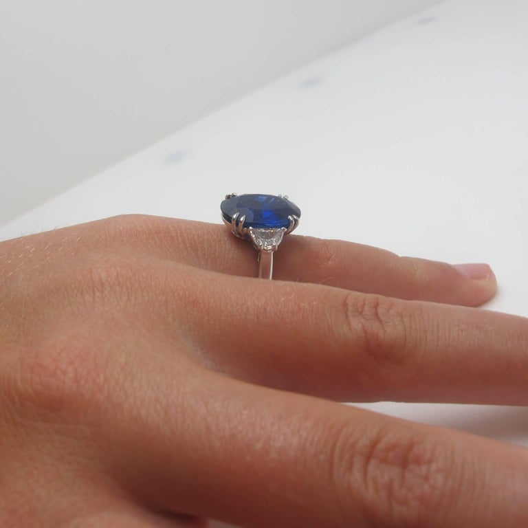 GIA Certified 12.23 Carat Unheated Blue Sapphire and Diamond Platinum Ring In New Condition For Sale In Los Angeles, CA