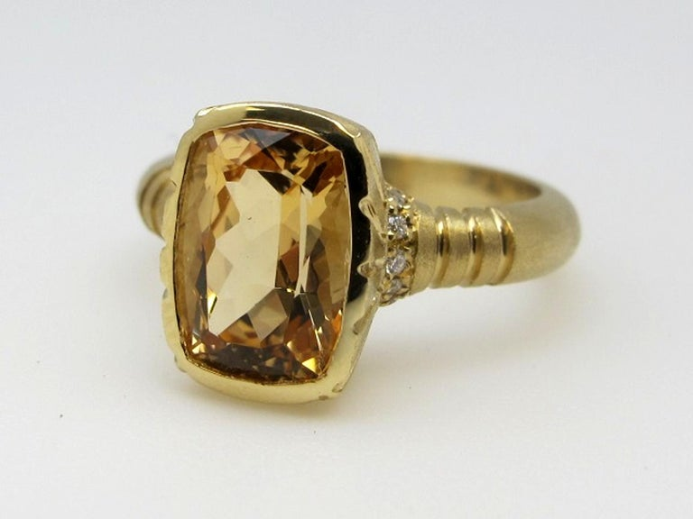 3.27 Carat Topaz and 0.08 Carat White Diamonds 18 Karat Yellow Gold Ring In New Condition For Sale In Los Angeles, CA