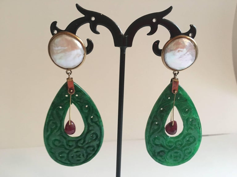 Women's Carved Jade Ruby Drop Mabè Pearls Gold Ventiane Earrings For Sale