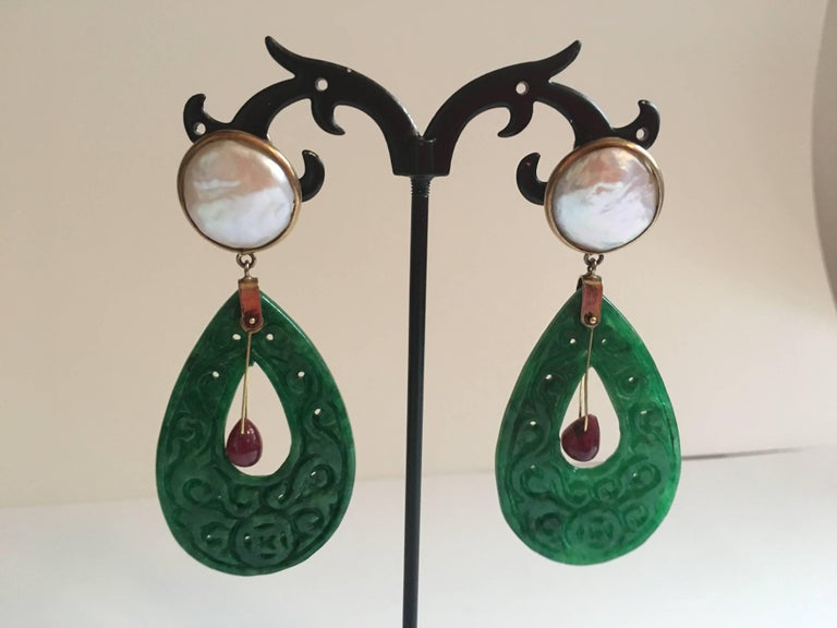 Carved Jade Ruby Drop Mabè Pearls Gold Ventiane Earrings For Sale 2