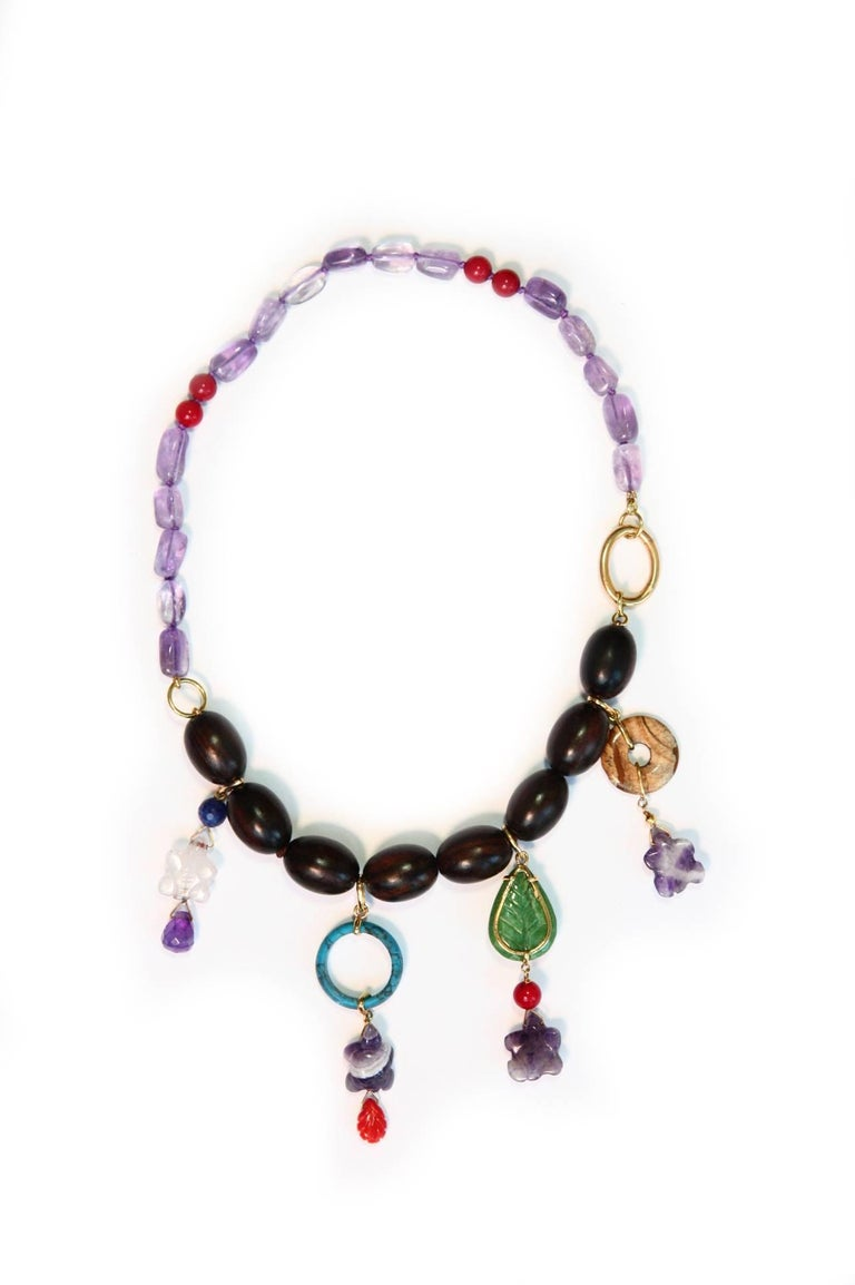 Ebony Charms Necklace Amethyst Coral Ebony Gold In New Condition For Sale In Milan, IT