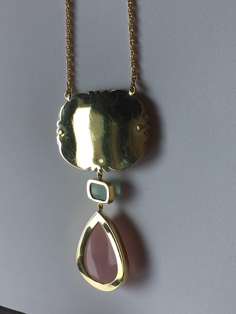 Green Tourmaline Rose Quartz Drop Gold Mother-of-Pearl Cathedral Necklace In New Condition For Sale In Milan, IT