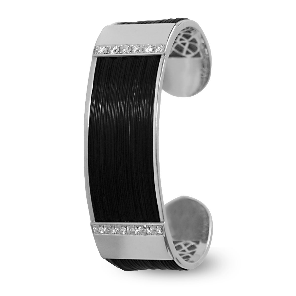 """This extraordinary bracelet by Xiraffa of Spain is composed of naturally harvested Giraffe hair, 18k white gold, and diamonds. This design is called the """"Angola Diamond"""". Made in Spain.   Specs:  """"Nigeria Diamond"""" 18kt White Gold Brilliant Cut"""