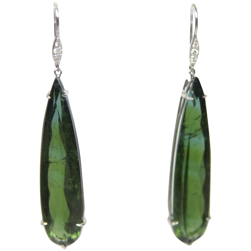 green tourmaline gold pear shaped drop earrings at 1stdibs