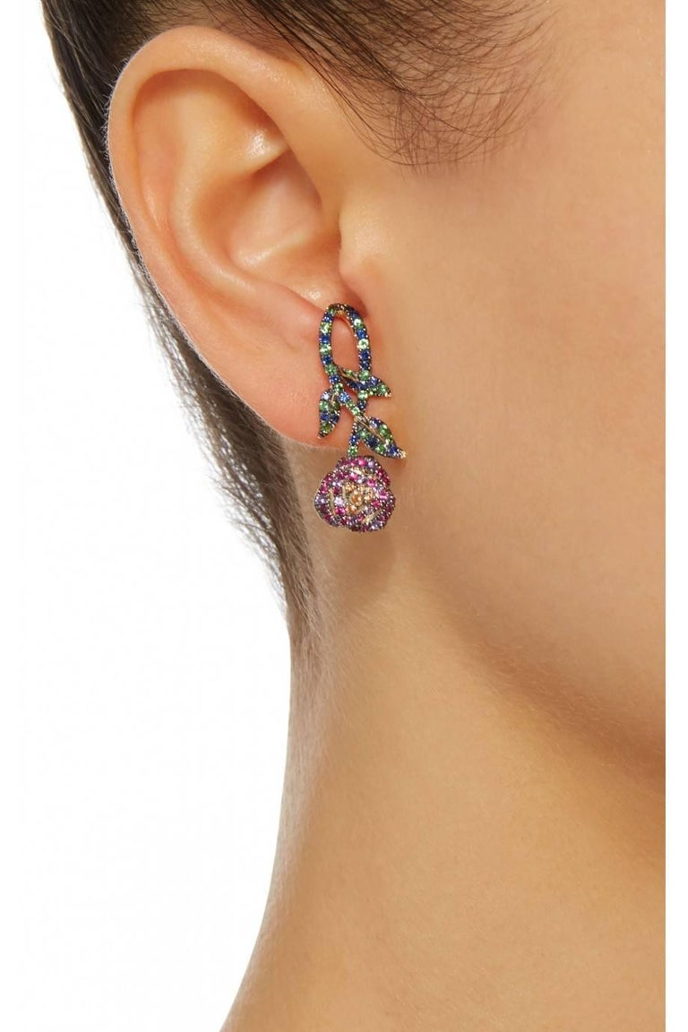 Yvonne Leon 18K gold Earring with Sapphire, Tsavorites, Amethyst, Pink Sapphir In As New Condition For Sale In Paris, FR