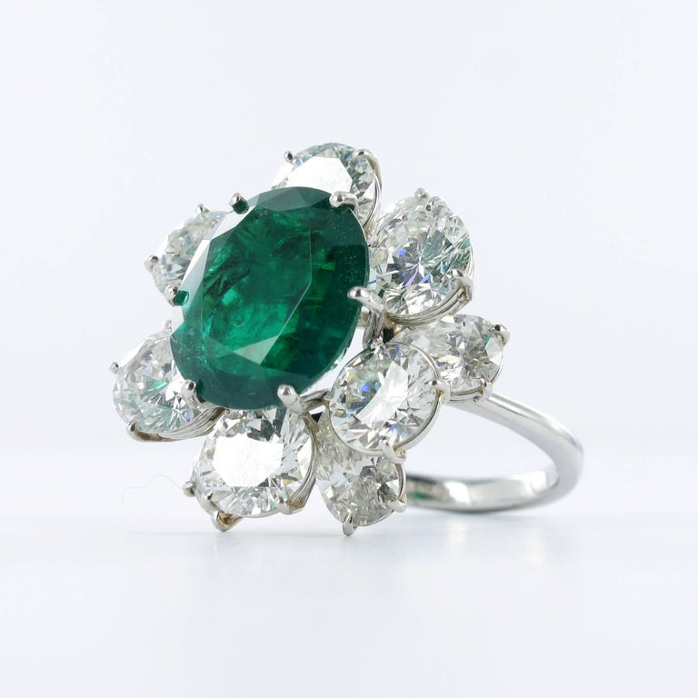 Certified Colombian Emerald Diamond Platinum Ring In Good Condition For Sale In Lucerne, CH