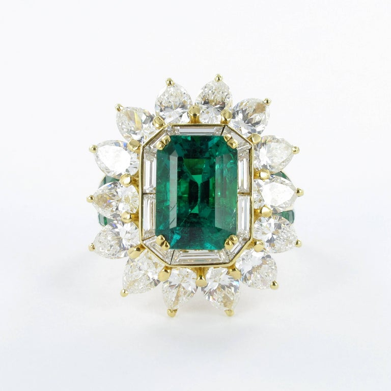 Mauboussin Certified Colombian Emerald Diamond Ring In Good Condition For Sale In Lucerne, CH