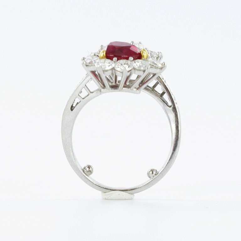 Gübelin Report Burma Ruby Diamond Toi et Moi Platinum Ring In Good Condition For Sale In Lucerne, CH