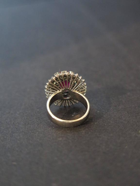 AGL certified natural no heat Burmese ruby diamonds ring In Good Condition For Sale In Austin, TX