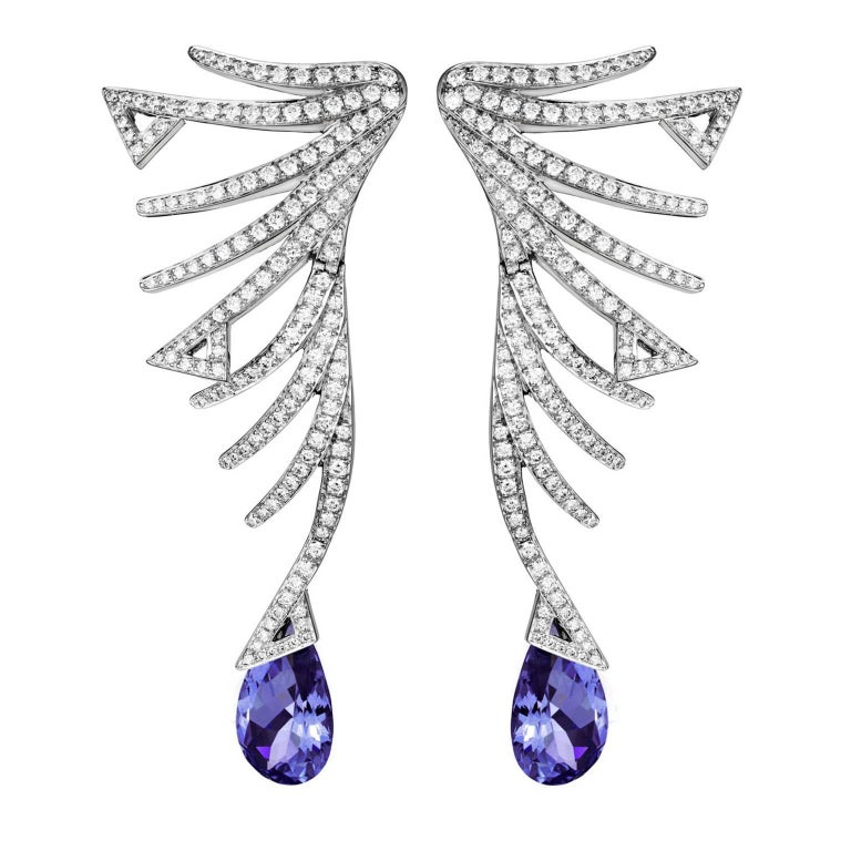 Akillis Cruella Earrings 18 Karat White Gold Tanzanite White Diamonds