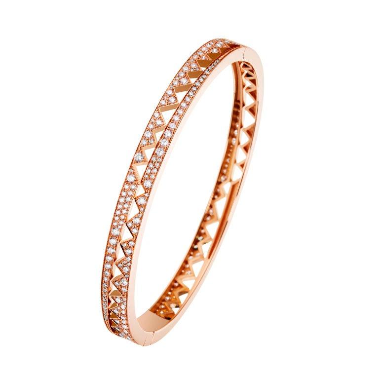 Akillis Capture Me Bracelet 18 Karat Rose Gold Set White Diamonds For Sale