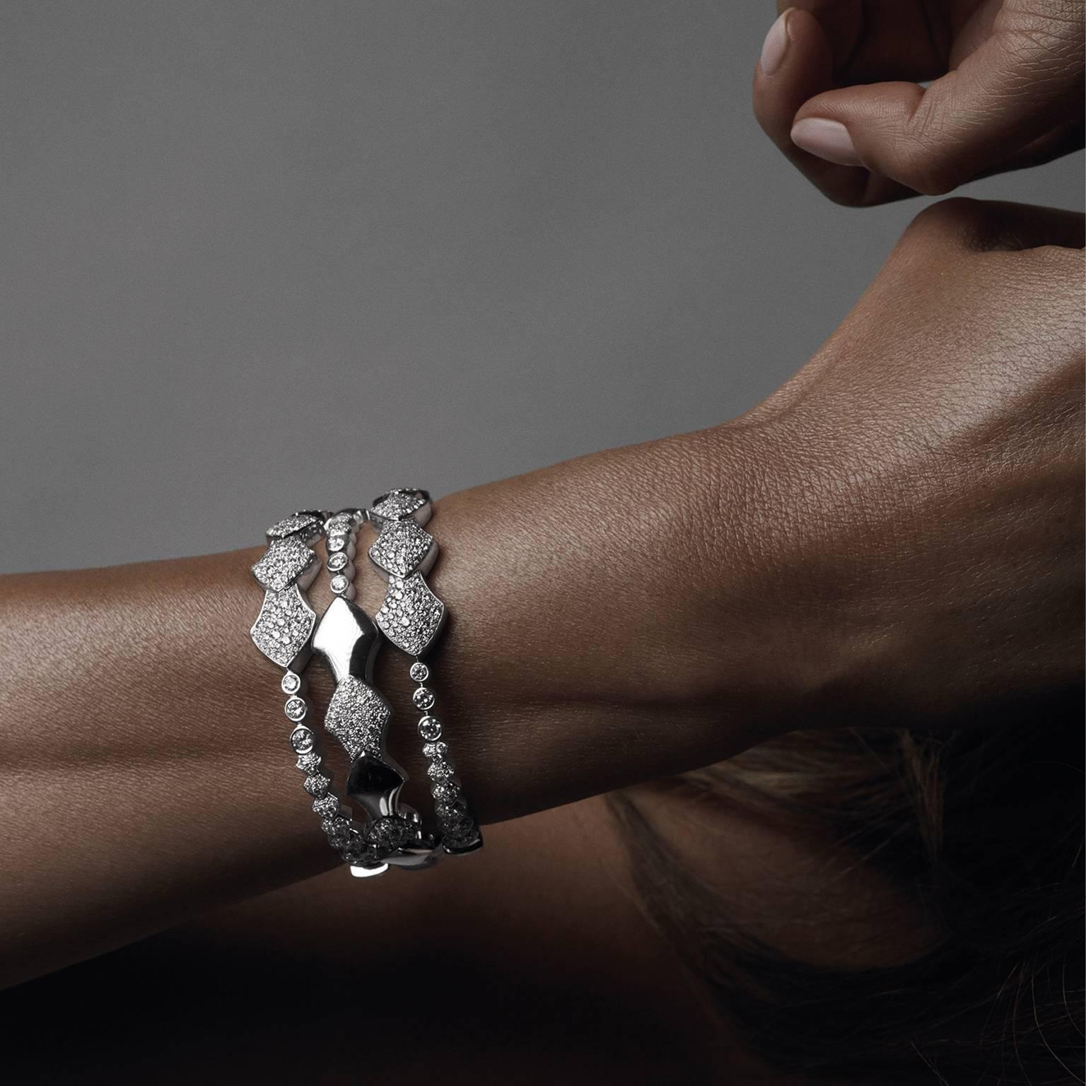 Akillis 18kt White Gold Half Diamond Set Python Bracelet 4eASYGh3C