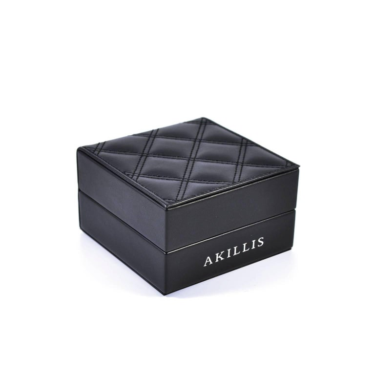 Contemporary Akillis Puzzle Bracelet 18 Karat White Gold White and Black Diamonds For Sale