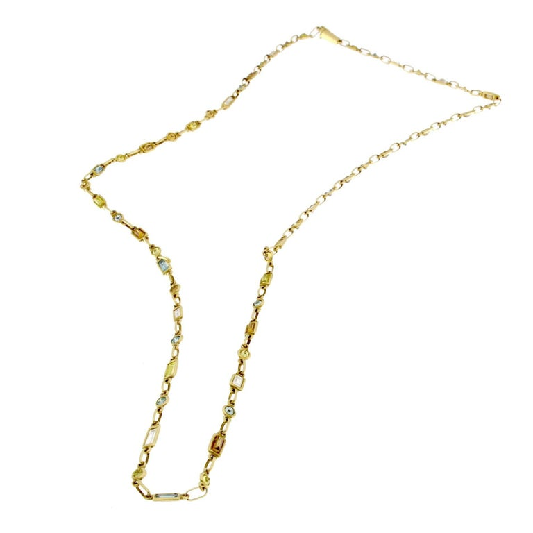 Bombarded Diamonds Necklace in 18 Karat Gold