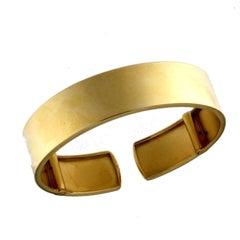 Slab 18 Karat Yellow Gold Bracelet