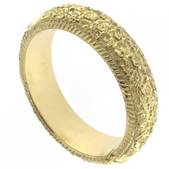 Chiseled Bangle Yellow 18 Karat Gold