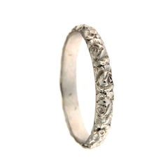 Chiselled White Gold Ring in 18 Karat Gold