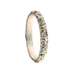 Chiseled White Ring in 18 Karat Gold