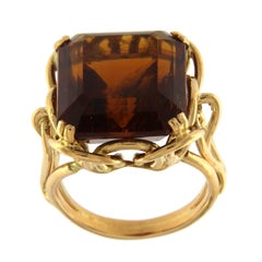 Ring 18 Karat Pink Gold with Madera Topaze