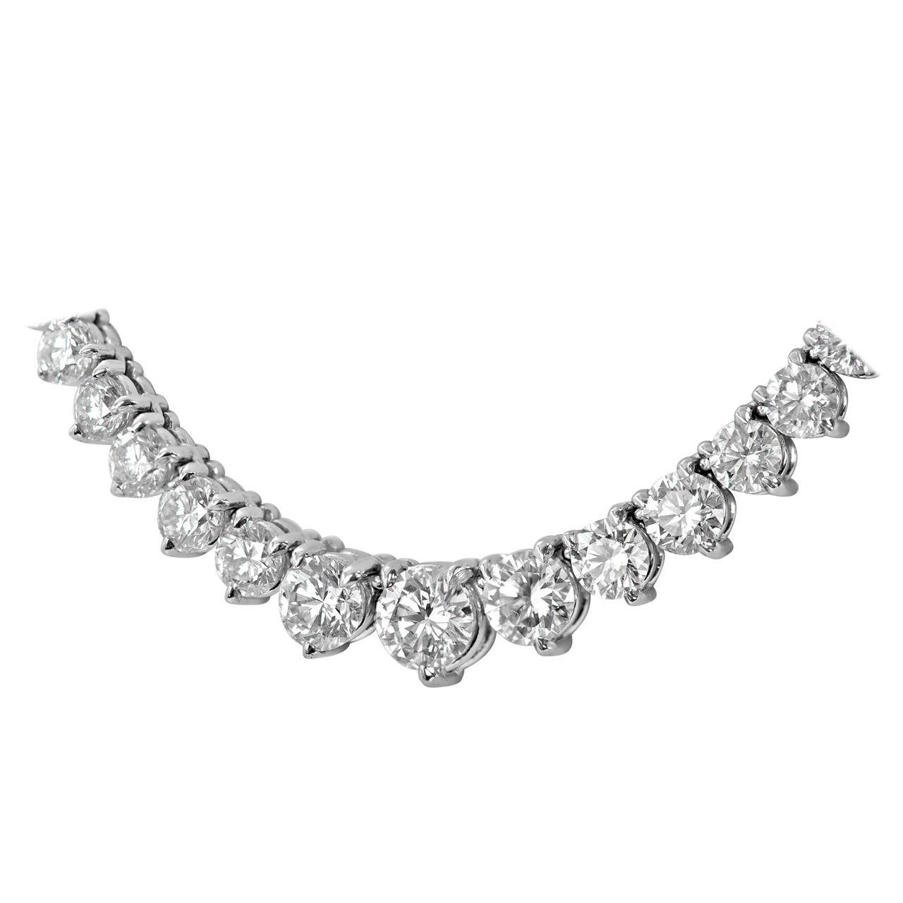 23.08 Carats GIA Cert Diamonds Graduated Riviere Necklace For Sale