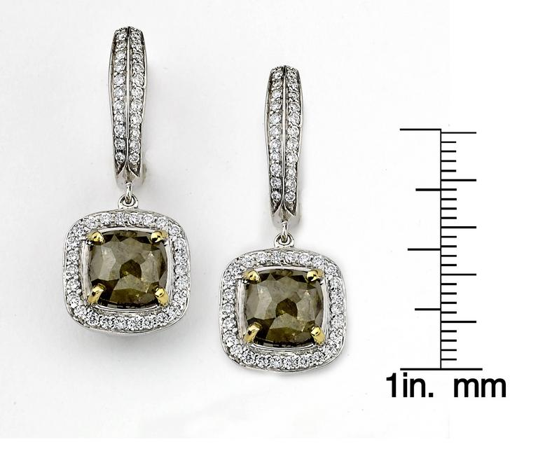 Rough Green Diamond Dangle Drop Earrings In New Condition In New York, NY
