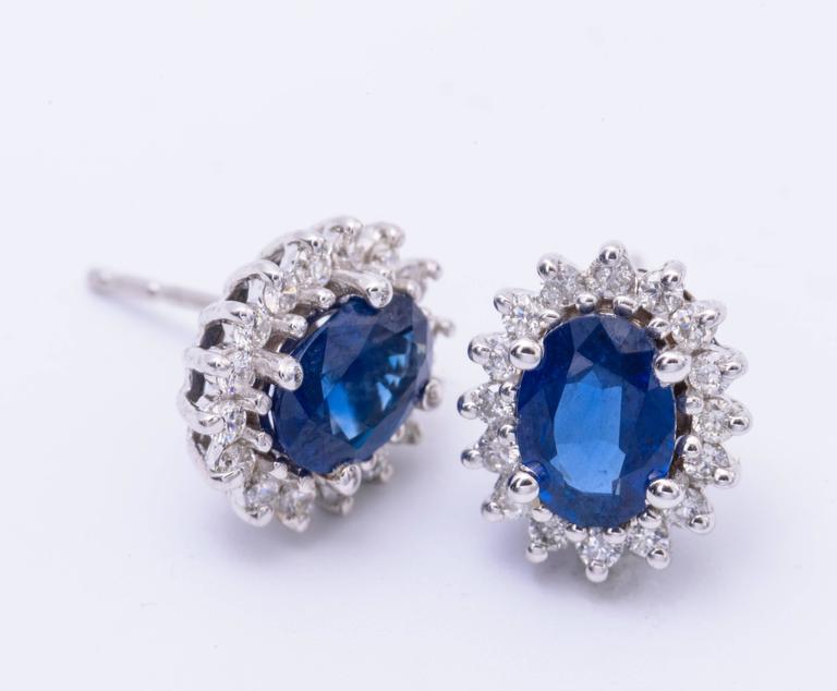 Oval Sapphire Diamond Gold Cluster Stud Earrings 4