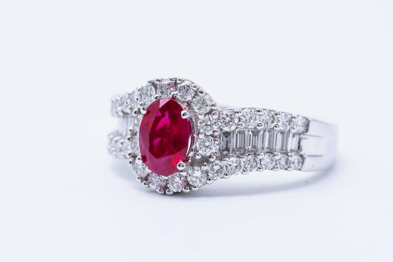 Oval Shaped Ruby 1.88 Carats Diamonds White Gold Engagement Cocktail Ring  For Sale 1