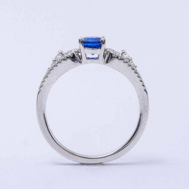 .64 Carat Ceylon Sapphire Diamond White Gold Engagement Ring   4