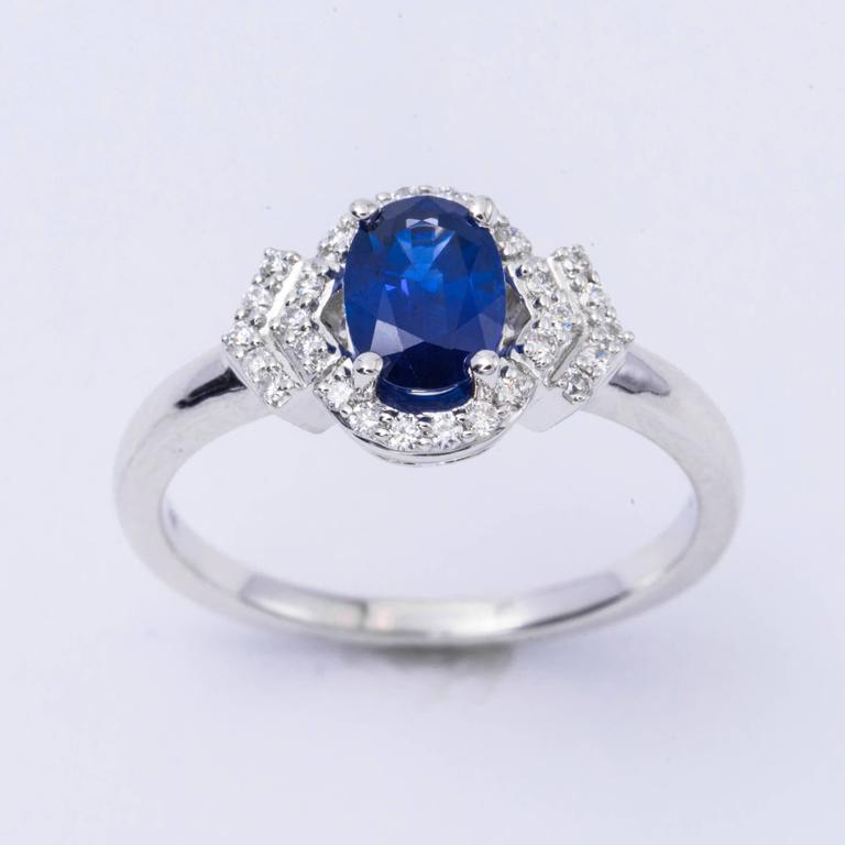 Oval Shape Sapphire and Diamond Engagement Halo Ring In New Condition For Sale In New York, NY