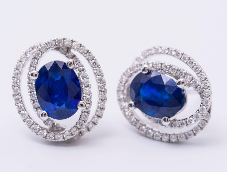 Contemporary Diamond and Sapphire Studs Earrings For Sale