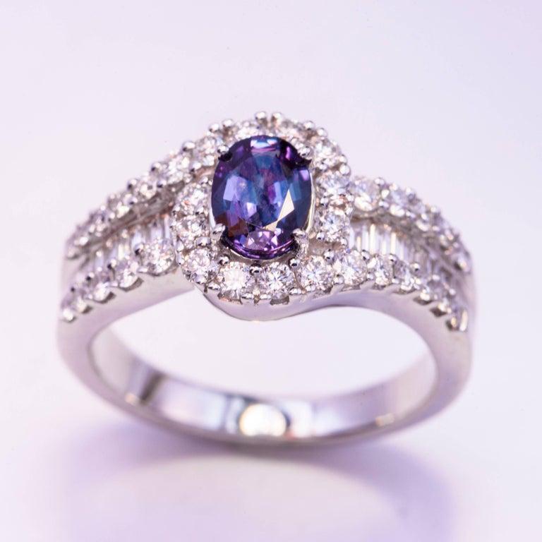Alexandrite : 0.75 Carats Diamonds: 0.97 Carats 18K white gold CC Certificate available